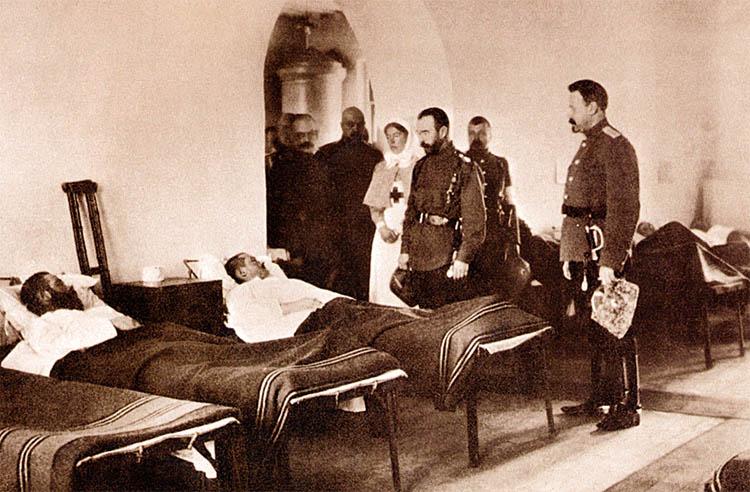 Николай II, Ольга Александровна в госпитале. Киев. 1916