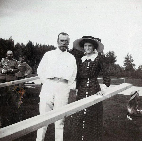 Татьяна Николаевна со своим отцом - Николаем II