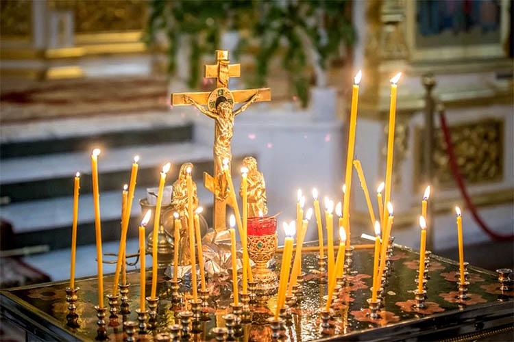 Троицкая Родительская суббота в храме