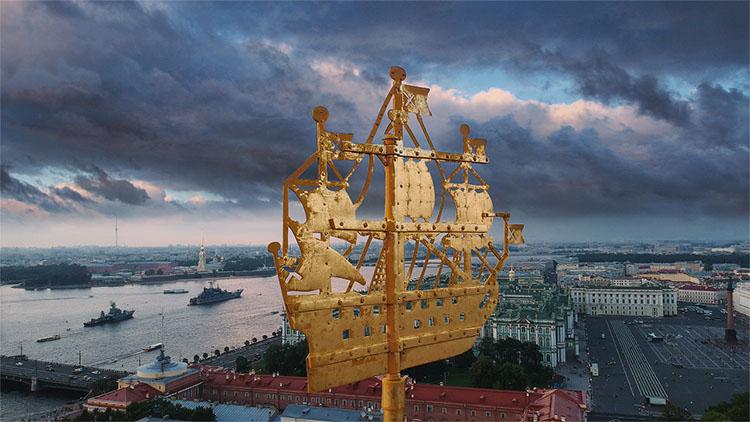 Корабль на шпиле Адмиралтейства