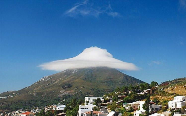 Облако над горой Фавор