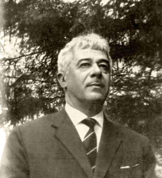Поэт Семен Кирсанов