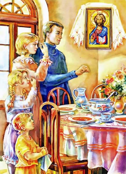 Семья молится перед обедом