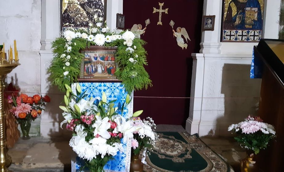 Праздничная икона Покрова Пресвятой Богородицы