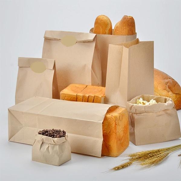 Продукты в бумажных пакетах