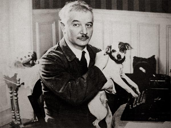 Саша Чёрный с собакой