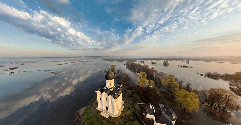 Церковь Покрова на Нерли с высоты