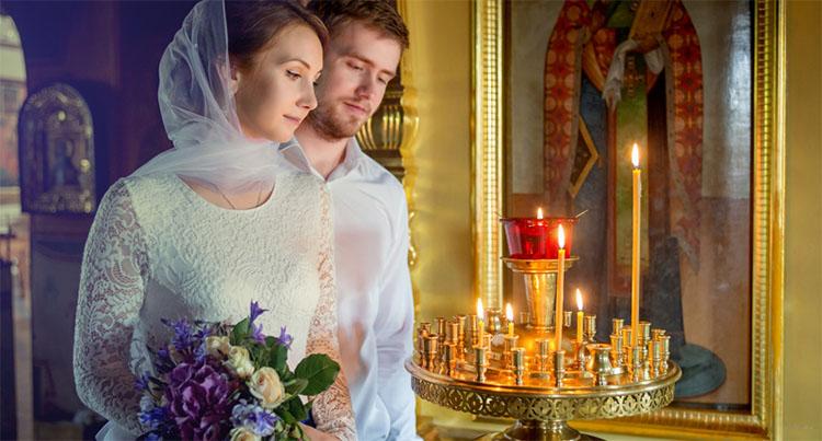 Супруги в храме