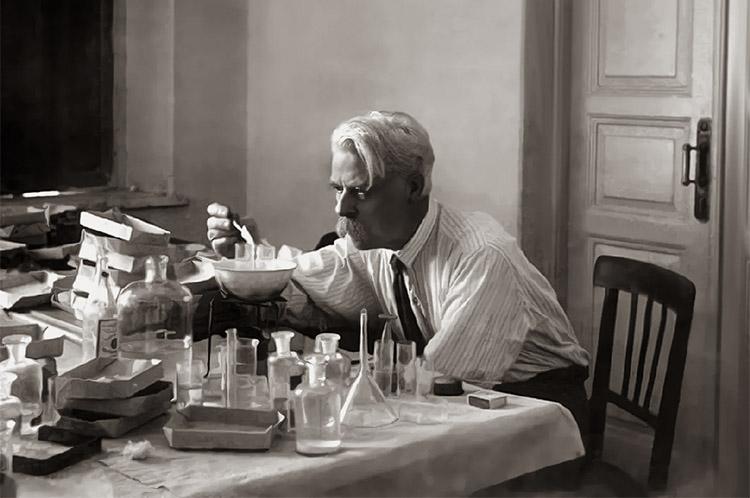 Биолог Николай Кольцов