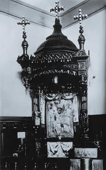 Икона Николая Чудотворца на вокзале Харбина