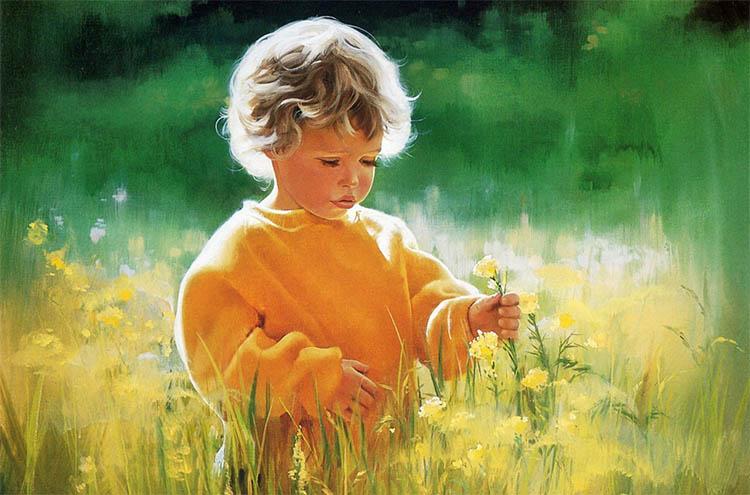 Мальчик смотрит на цветы