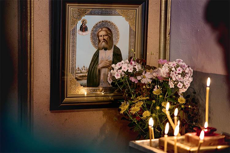 Икона преподобного Серафима Саровского в храме