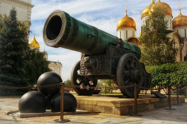 Царь-пушка в Москве