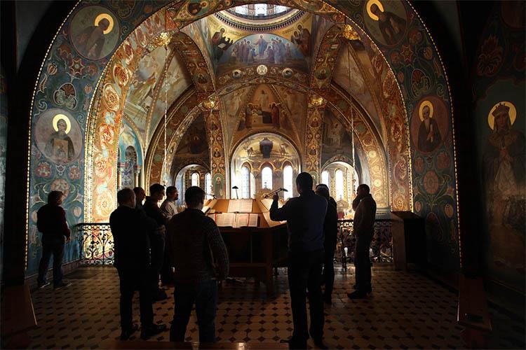 Мужской церковный хор