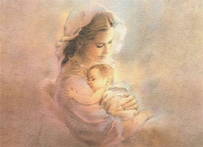 Младенец на руках матери