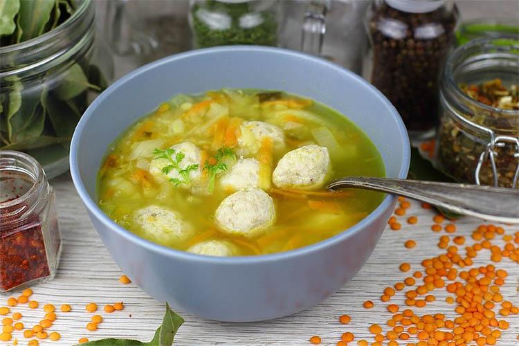Суп с фрикадельками из судака