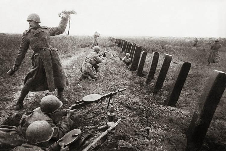 Бойцы 3-го Украинского фронта в боях под Одессой