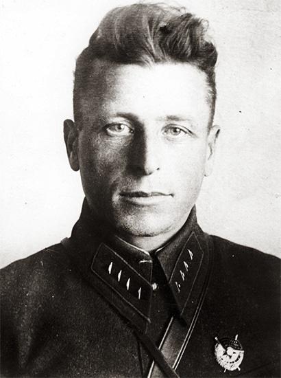 Пограничник Никита Карацупа