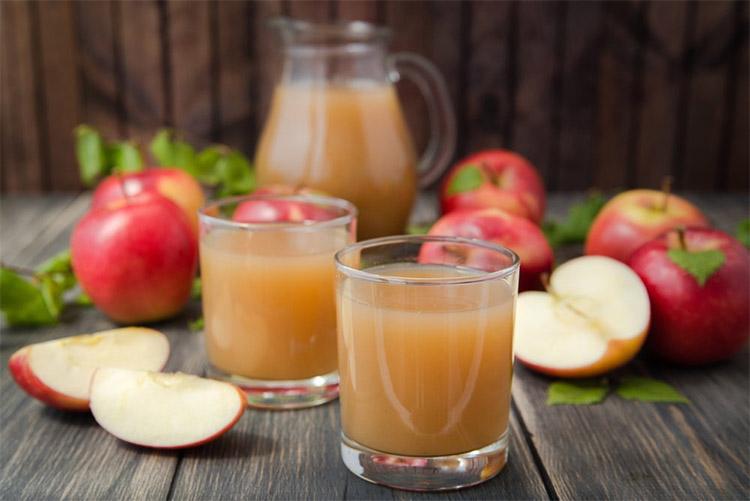 Яблоки и яблочный сок