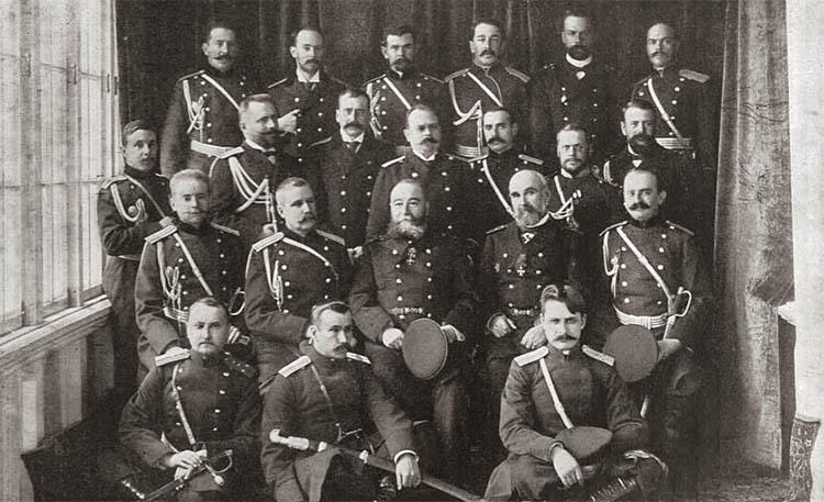 Адмирал Е. И. Алексеев и его полевой штаб