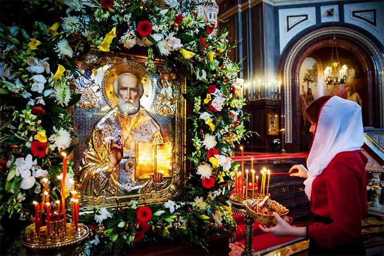 Икона Николая Чудотворца в храме
