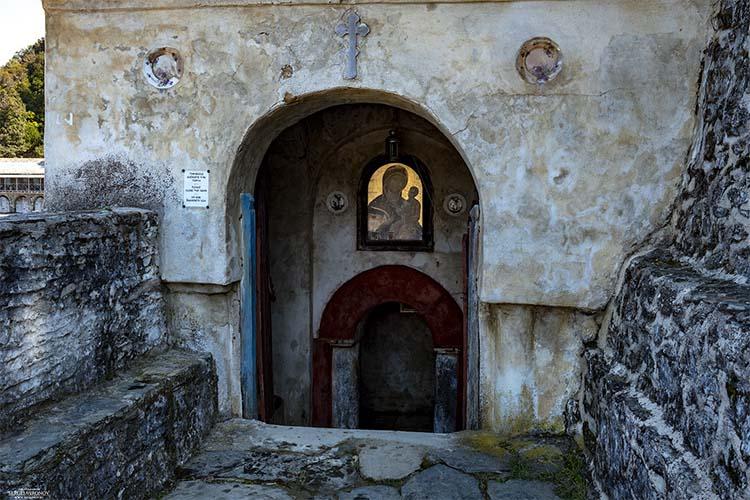 Надвратная Иверская икона – «Вратарница»