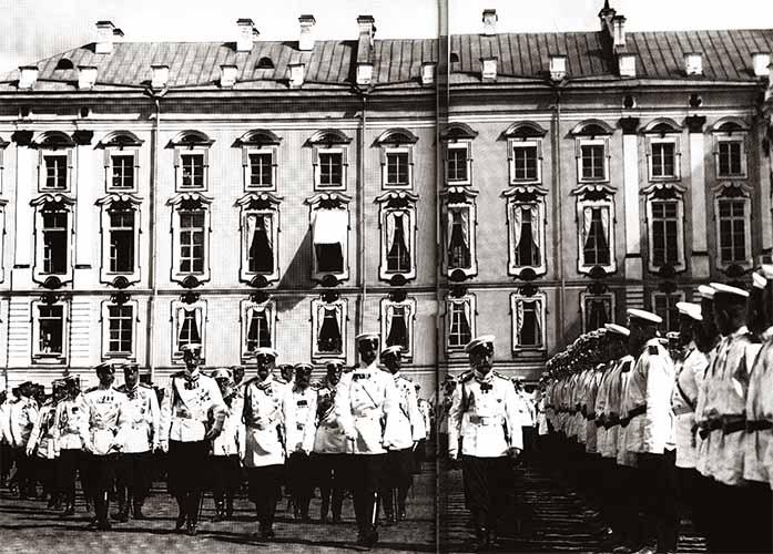 В лейб-гвардии Преображенском полку