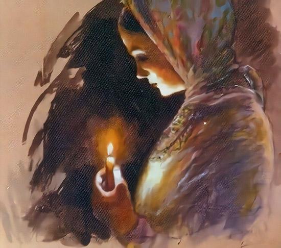 Женщина со свечой в руке