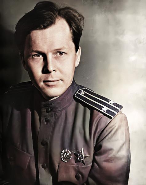 Александр Твардовский в военной форме