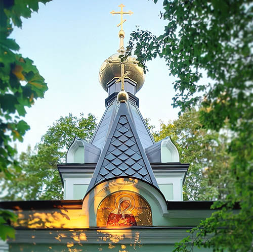 Образ блаженной Ксении на Смоленском кладбище