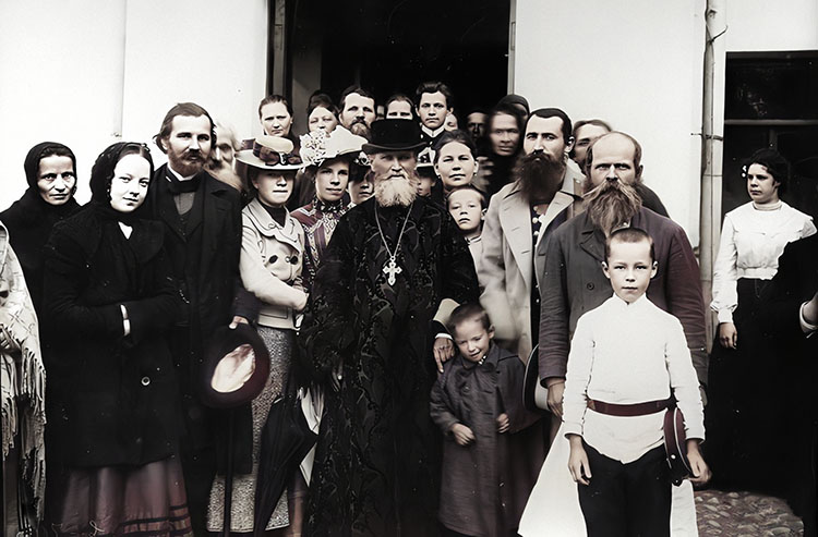Праведный Иоанн Кронштадтский с прихожанами