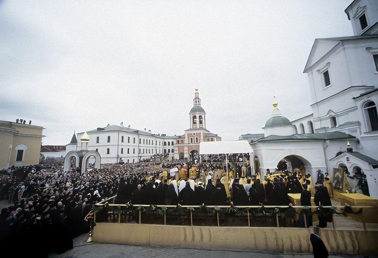 Праздничный молебен в Свято-Даниловом монастыре