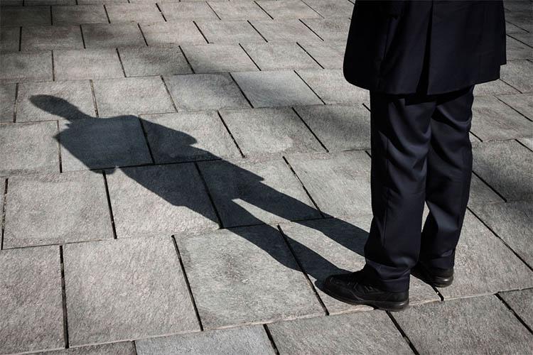 Тень мужчины