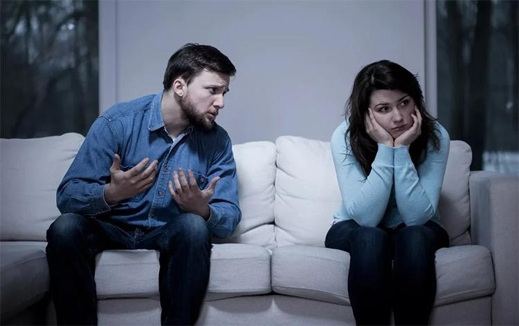 Грустные супруги