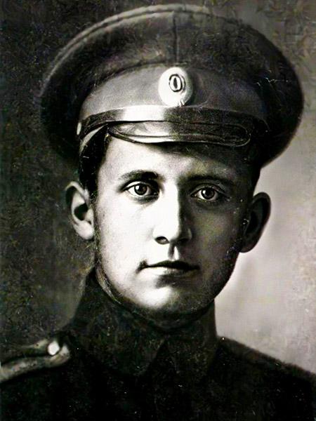 Павел Сухой в молодости