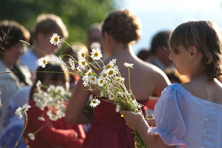 Празднование дня семьи любви и верности в России