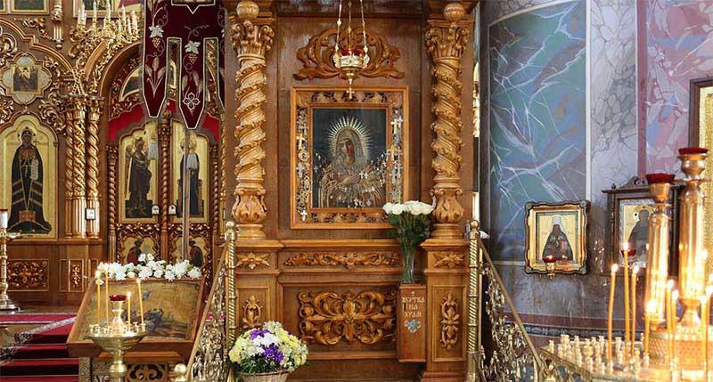 Серафимо-Дивеевская икона Божией Матери «Умиление»