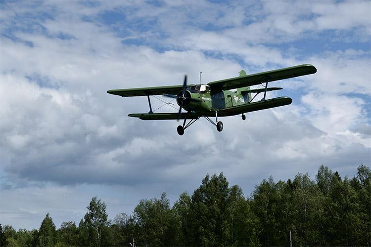 Ан-2 в полете