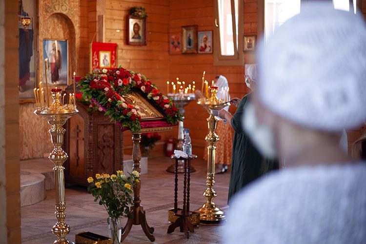 Икона Великомученика Пантелеимона в храме
