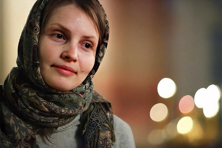 Женщина в храме