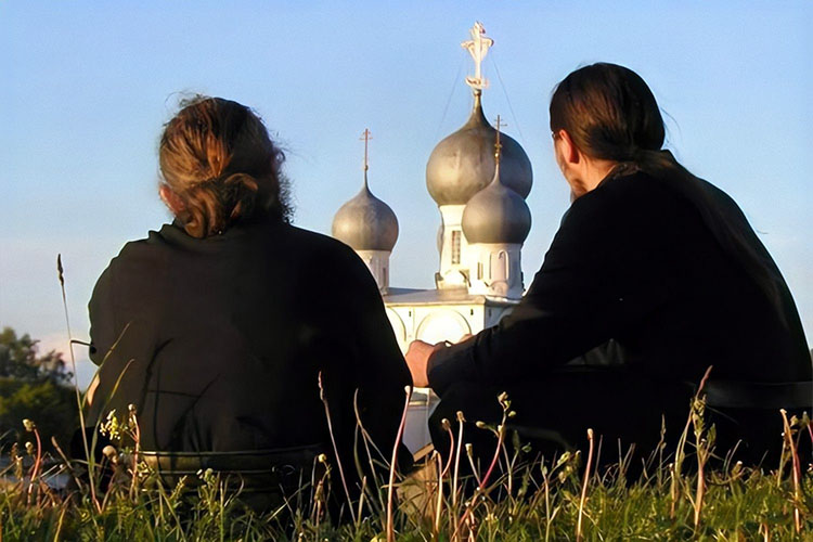 Два монаха