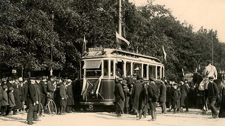 Открытие трамвайного движения в Санкт-Петербурге