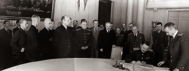 Подписание Соглашения о перемирии между СССР, Великобританией, США с Финляндией
