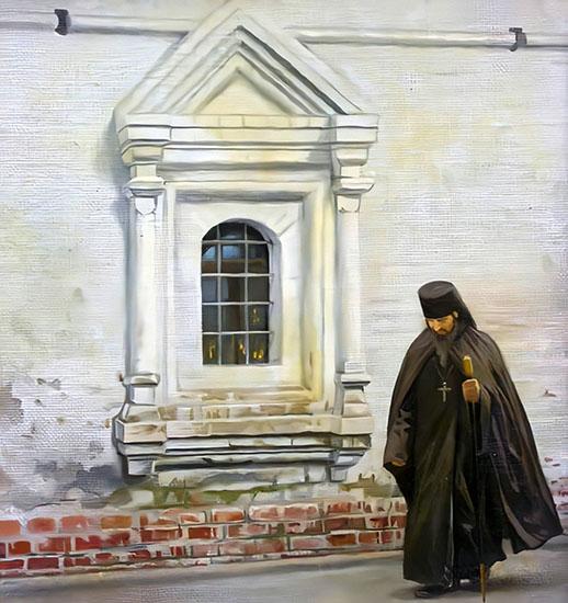Священник идет около храма