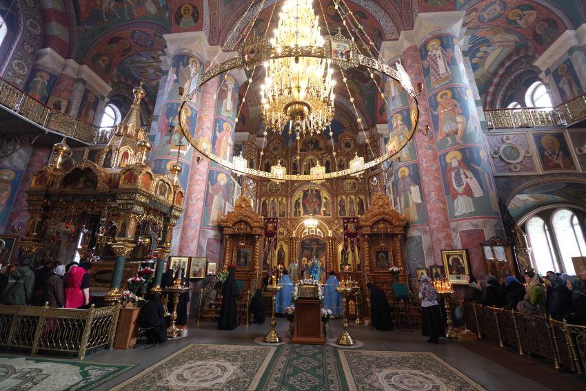 В дивное Дивеево на Покров Пресвятой Богородицы!