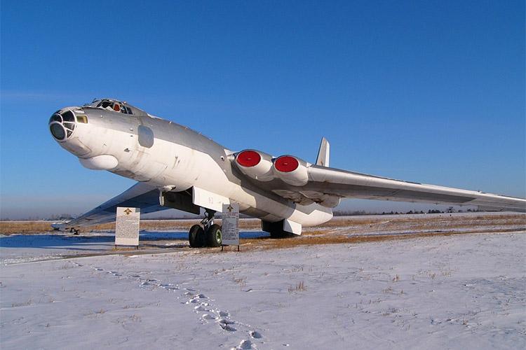 Бомбардировщик M-4