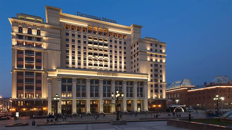 Гостиницей «Москва»
